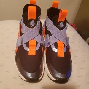 Nike huaraches size 5y